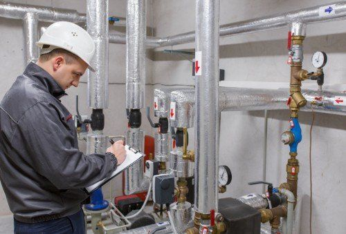 Controllando la pressione nell'installazione del sistema di riscaldamento