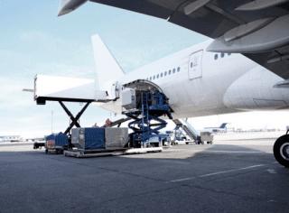 carico merci aereo