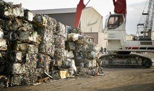 pressatura materiale rifiuto