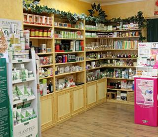 cosmetici da erboristeria, erbe aromatiche, fiori di bach
