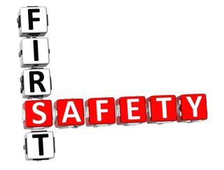 una scritta First Safety