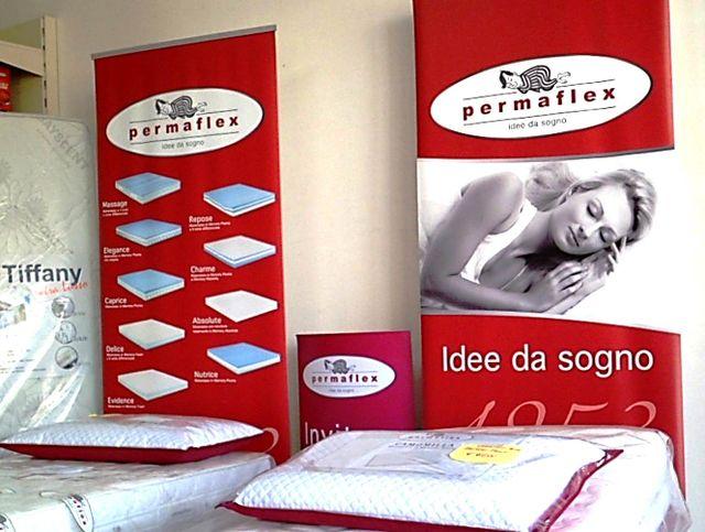 materassi Permaflex esposti all'interno di un salone