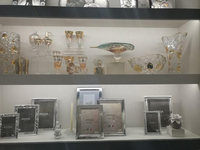 vetrina con esposizione di preziosi