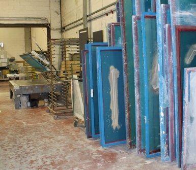 serigrafia vetrate, arredamenti in vetro, mensole in vetro