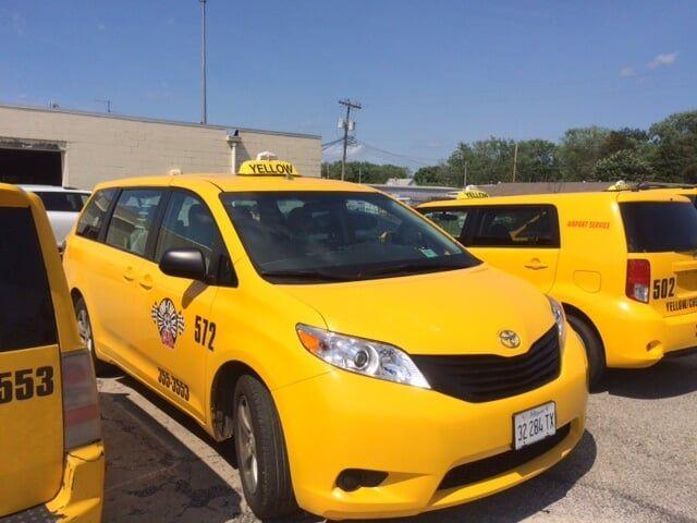 Airport Shuttle Service | Champaign, IL Yellow Checker Cab