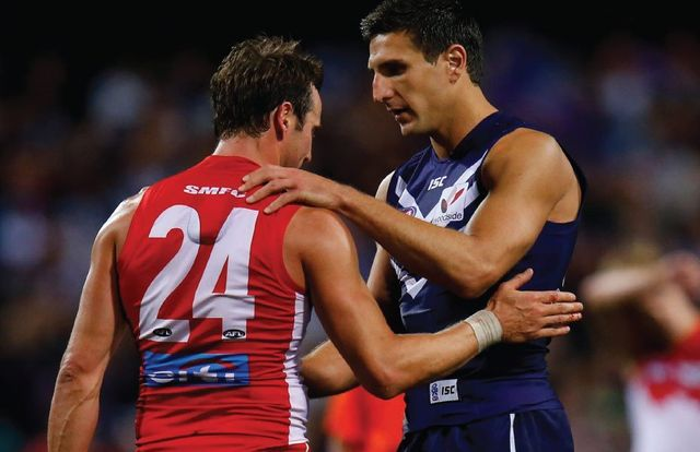 Australian Football Teams being mates