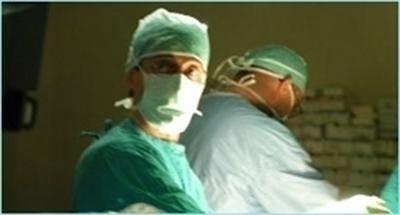 Medico chirurgo Dr. Sisto in sala operatoria