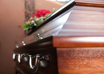 particolare di una barra funebre