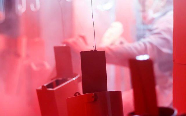 oggetti verniciati di rosso