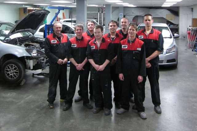 Car repair team in Wellington