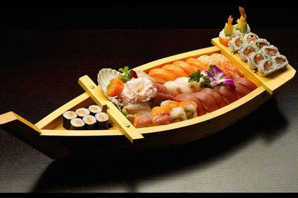 una barca di sushi