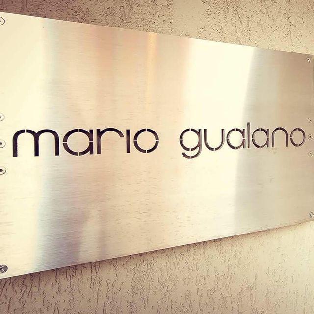 una targhetta Mario Gualano