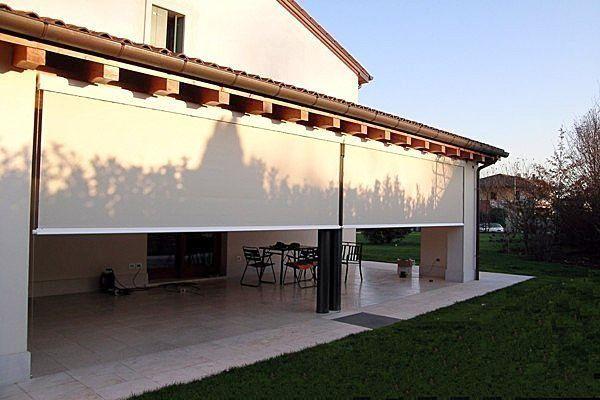 casa con tenda bianca