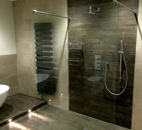 4 reasons why you need a feature wall in your bathroom rh optionsstudio co uk