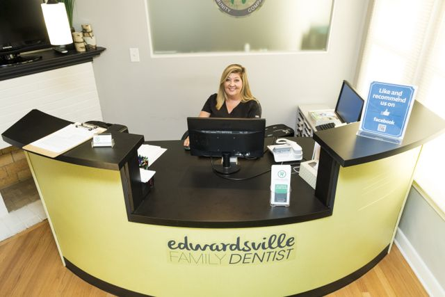 Dental clinic in Edwardsville reception desk