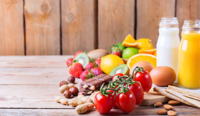 prodotti alimentari su un tavolo