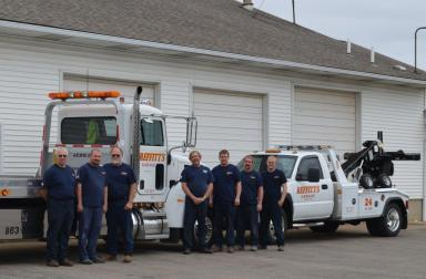 Tow company team ready for roadside assistance in Hamilton, OH
