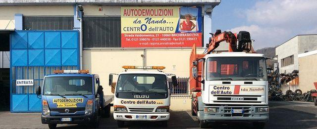 centro dell' auto di Autodemolizione Da Nando con camion
