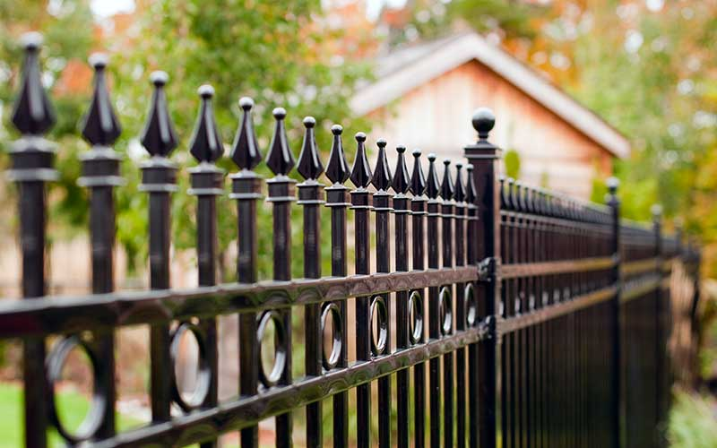 How to Maintain Four Different Types of Fences