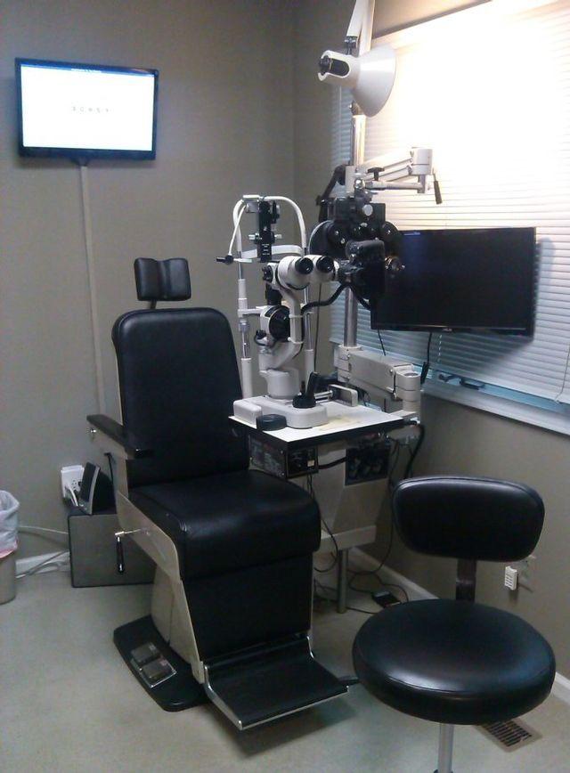 Eye exam room in Dothan, AL