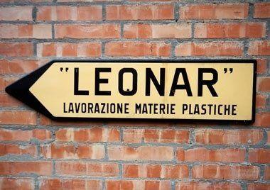 direzione cartello stradale LEONAR lavorazione materie plastiche