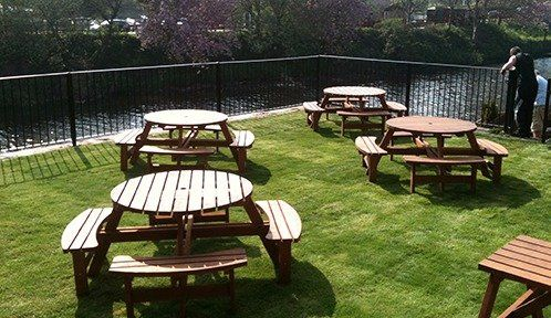 Exterior seating at the The Pear Tree Inn