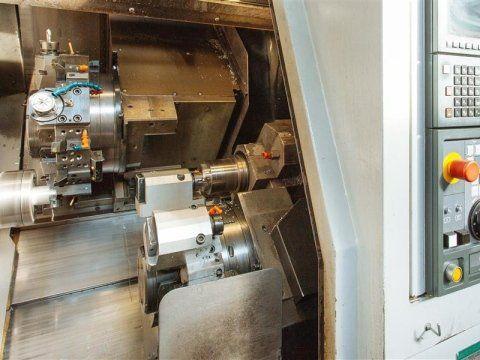Macchina a controllo numerico CNC
