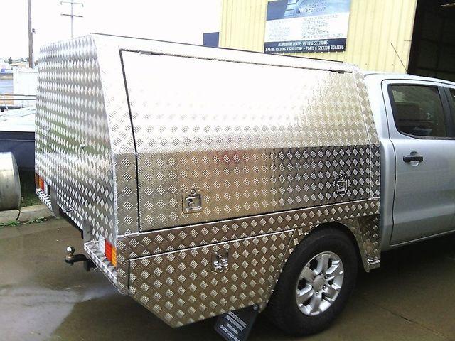 engineering kreationz tipper trailers on field