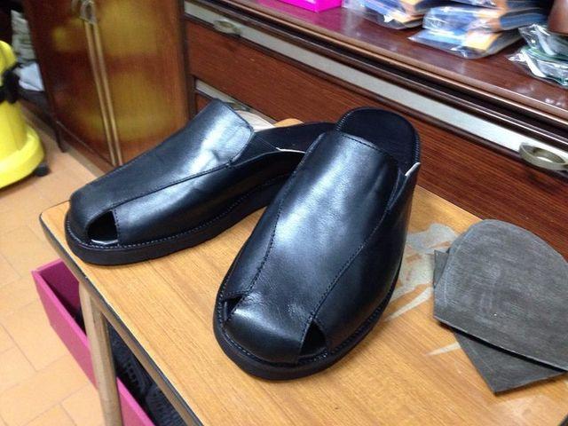 Sandali di pelle nera per uomo fatte su misura