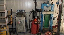 manutenzione impianti di aria condizionata per autoveicoli, ricarica aria condizionata, ricarica batterie auto