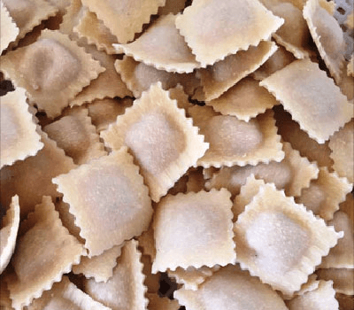 Ravioli di pasta fresca ripieni a Ragusa