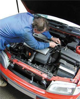 A mechanic provising fast, reliable Oakham MOT testing