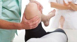massaggio al ginocchio, articolazioni del ginocchio