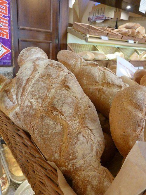assortimento pane di diverso tipo