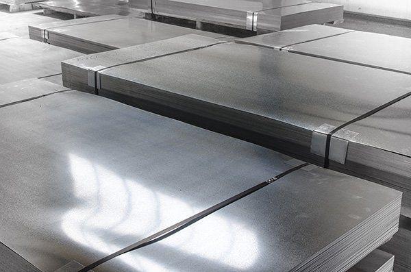 Lastre di acciaio di uguale misura e dimensione