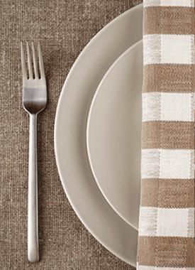 antipasti, carne alla griglia, piatti di pasta