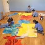 Bambini giocano sul pavimento a San Pietro in Cariano