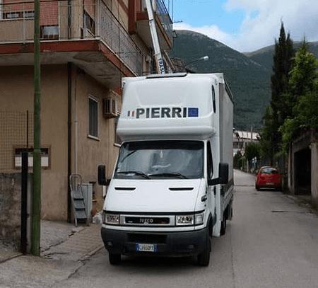 Veicoli di Traslochi Pierri per il trasporto a Salerno e provincia