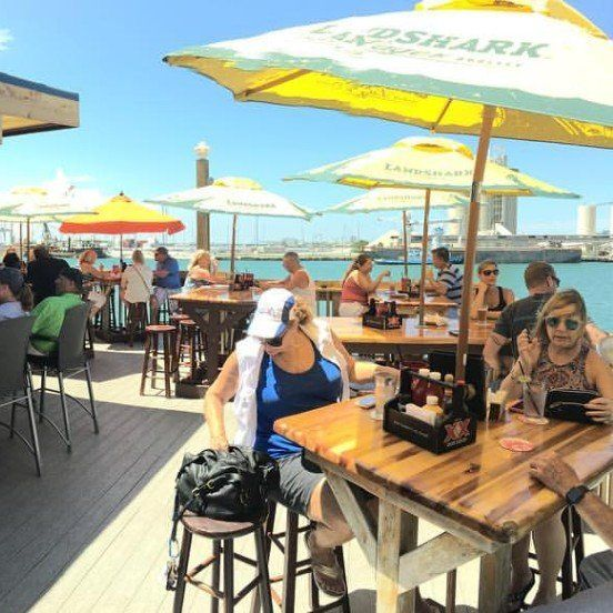 Port Canaveral Restaurant | Fishlips Waterfront Bar & Grill