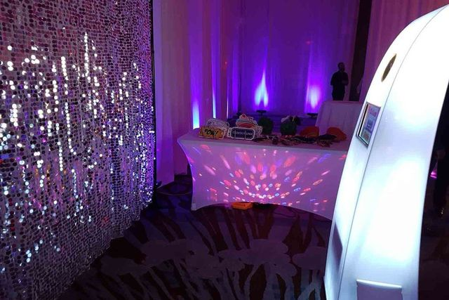 Rent The Best Photo Booth In Toronto Ontario