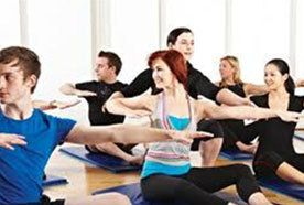 People training in pilates