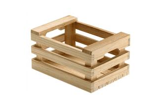 cassette di legno per frutta e preparazione di buffet e aperitivi