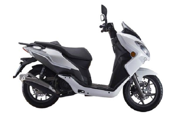 uno scooter bianco