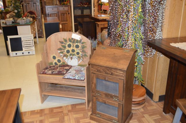 Located At Pennsylvania Dutch Market In Hagerstown, MD, Lappu0027s Furniture  And Home Décor Offers A Variety Of Furniture And Decorating Items For Your  Home.