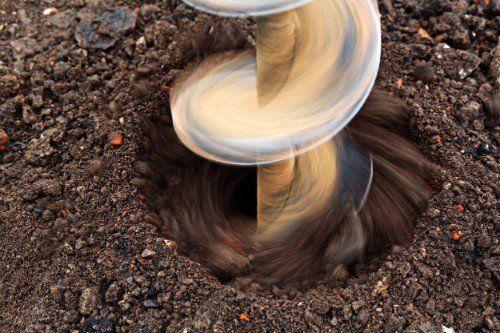 trivella scavando per la costruzione di un pozzo