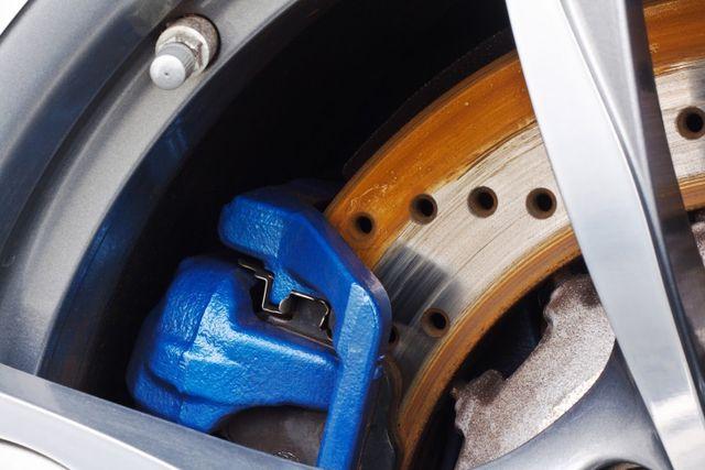 3 Causes of a Spongy Brake Pedal | Stopmaster Brake Service