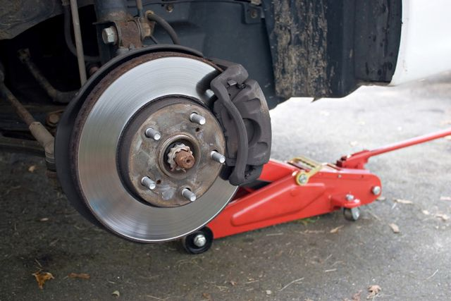 3 Causes of a Spongy Brake Pedal | Stopmaster Brake Service