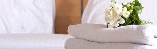 Letto con lenzuola pulite