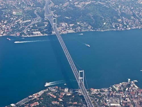 ponte visto dall`alto