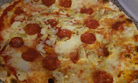 Pizza Diavola presso La Cascinetta a Gerre De' Caprioli